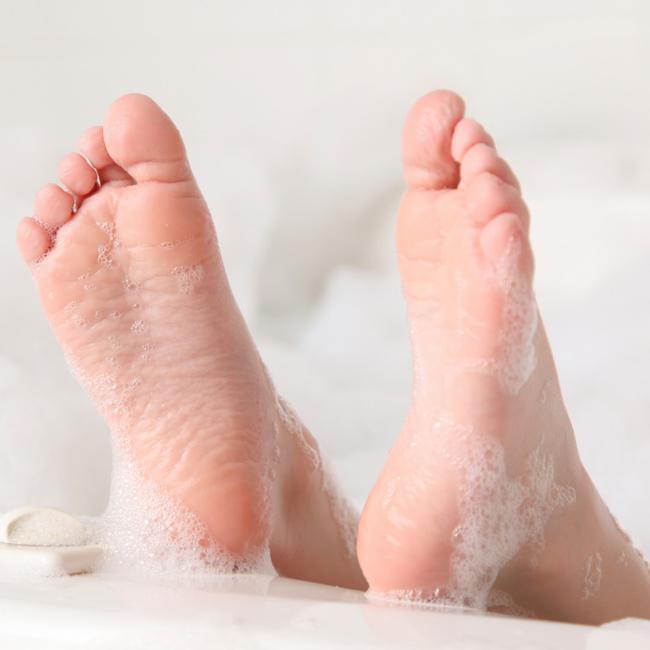 6 đặc điểm cơ thể của người vợ càng nhỏ, càng giúp chồng thuận lợi phát tài, thăng quan tiến chức