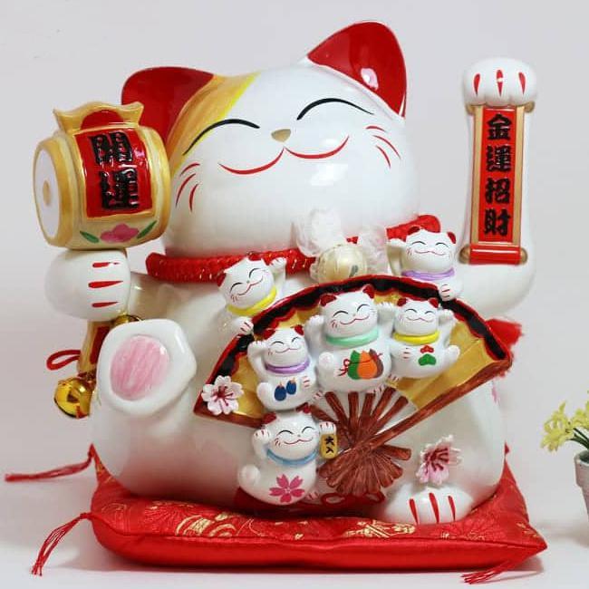 Mèo thần tài Maneki Neko