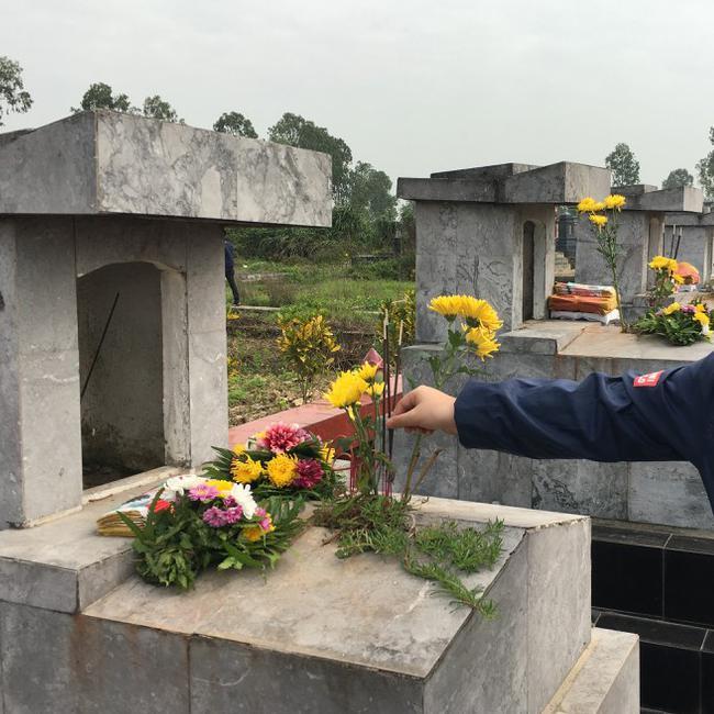 Lễ tạ mộ cuối năm nên hiểu và làm như thế nào để có thể mời ông bà, thân nhân quá vãng về nhà ăn Tết